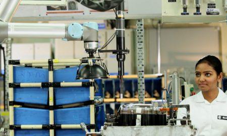 collaborative-robots-at-bajaj-in-india
